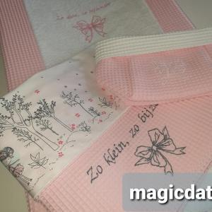 geborduurde dekenetje met laken