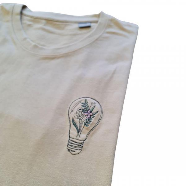 Tshirt beige botanic borduursel